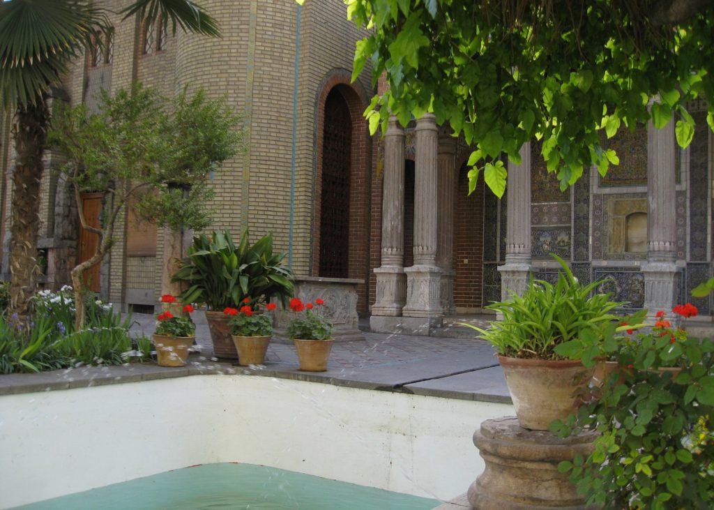 Moghaddam House-fountain